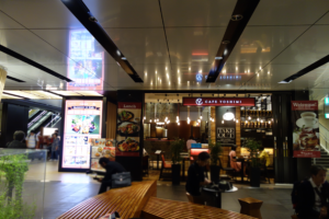 札幌駅地下歩行空間カフェヨシミ